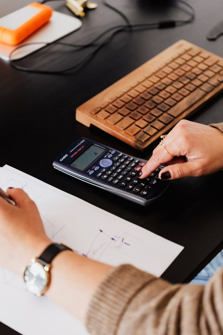 calculating food delivery person's revenue and costs